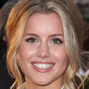 Caggie Dunlop Real Phone Number Whatsapp