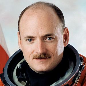 Scott Kelly Real Phone Number Whatsapp