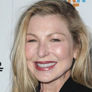 Tatum O'Neal Real Phone Number Whatsapp