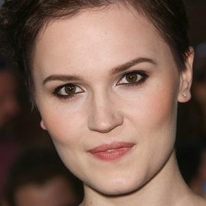 Veronica Roth Real Phone Number