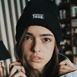 Lucy Vives Real Phone Number Whatsapp