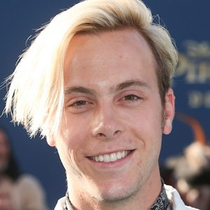 Riker Lynch Real Phone Number