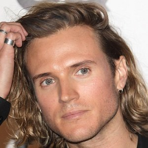 Dougie Poynter Real Phone Number Whatsapp