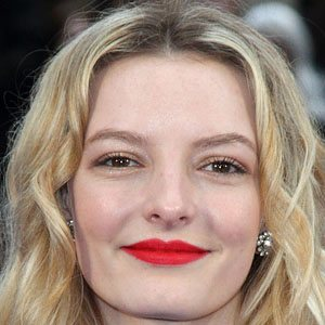 Dakota Blue Richards Real Phone Number Whatsapp