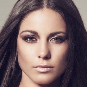 Louise Thompson Real Phone Number Whatsapp